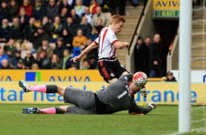Duncan Watmore clips the ball over Ruddy to seal the win.