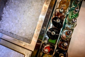 Plentiful ice in a US bar.