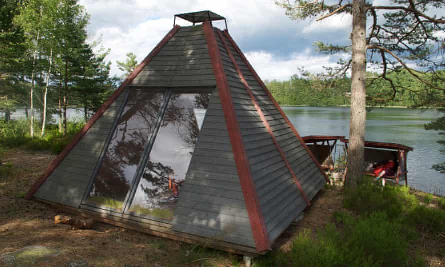 A pyramid shelter on the Dalsland Pilgrim Trail