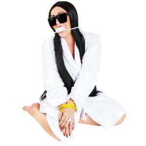 Kim Kardashian robbery Halloween costume.