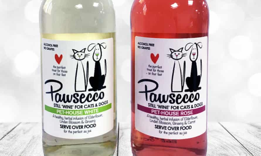 White and rosé bottles of Pawsecco