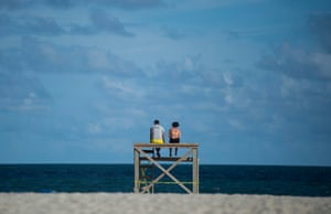 Wrightsville Beach, US. Residents look out at the ocean beforfe the predicted arrival of Hurricane Florence in North Carolina