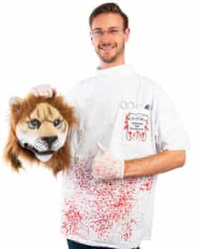 'Killer dentist' Halloween costume.