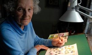Marjorie Blamey painting orchids in her studio in 2007.
