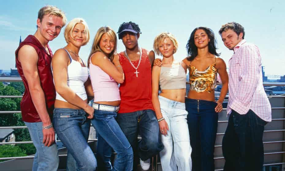 S Club 7 in 2000.