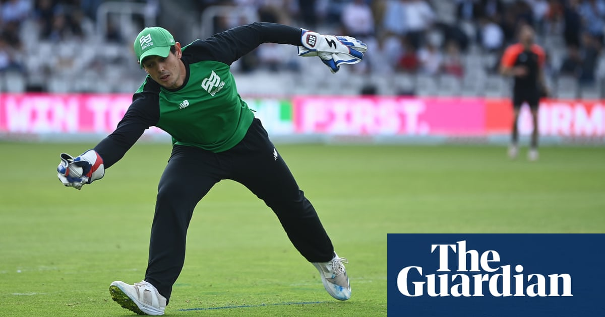 De Kock misses South Africa T20 World Cup game after refusing to take knee