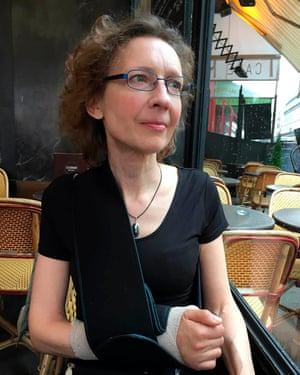 Pianist Isabelle van Brabant was knocked over by an electric scooter in Paris and suffered multiple fractures to her right arm.