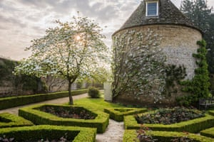 Pigeon House garden at Rousham House in Bicester by Carole Drake