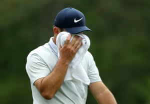 Francesco Molinari is the latest to find the drink on the 12th. So too have Koepka and Finau. The leaderboard is getting tighter and tighter. At one point, Schauffele Molinari, Woods, Cantlay and Koepka are only separated by one stroke.