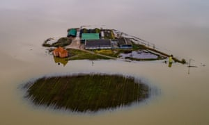 A farm cut off by flood water near Lincoln, 24 November 2019