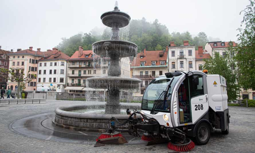 A street sweeper cleans the city streets using rainwater collected from the rooftops of Voka Snaga's company facilities and biodegradable detergent.