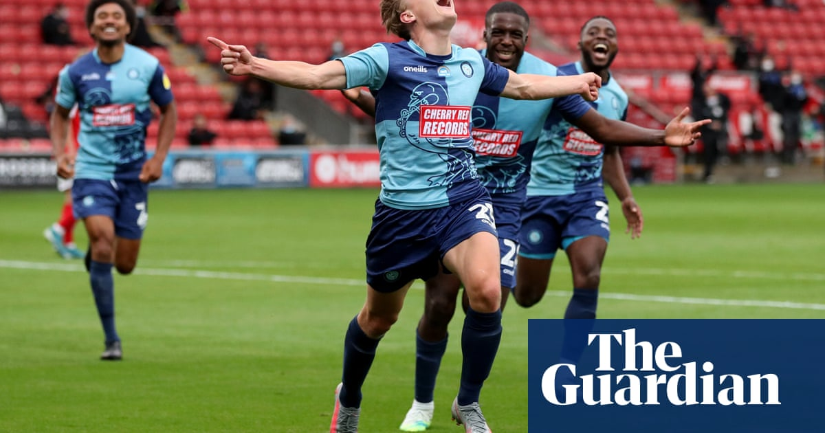 Wycombe run amok at Fleetwood as Oxford hold Portsmouth in play-offs - the guardian