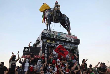 Plaza Italia in Santiago has remained a focal point for demonstrators, such as here on 10 December.