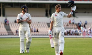 Joe Root acknowledges the applause as he leaves the field with Ben Stokes on an undefeated on 111 and the lead at 448.