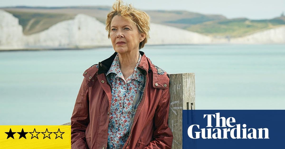 Hope Gap review – Annette Bening stumbles in empty divorce drama