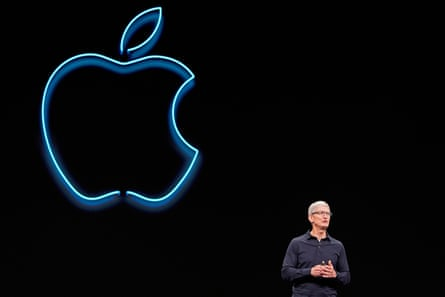 tim cook speaking at apple's worldwide developers conference in san josé california in june 2019