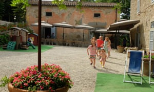 children playing at Villa Pia, Umbria, Tuscany