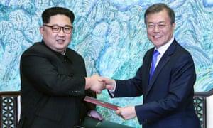 Kim Jong-un and Moon Jae-in meet in Panmunjom