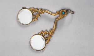 Ways of seeing: hand-folding spectacles, English, 1801-1850.