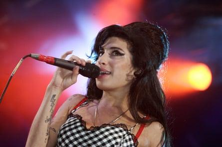 Amy Winehouse at Vodafone Summer Series, Somerset House, London, 20 Jul 2007.