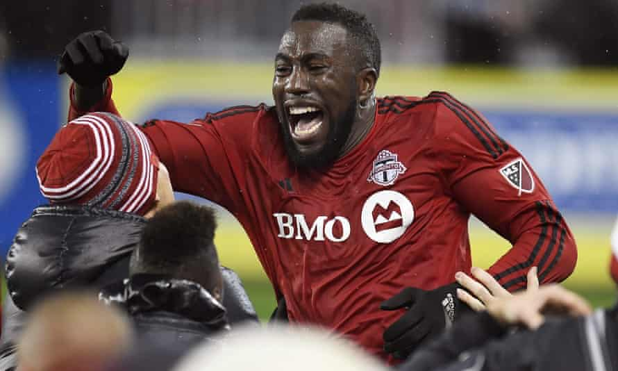 Jozy Altidore celebrates his goal during extra-time