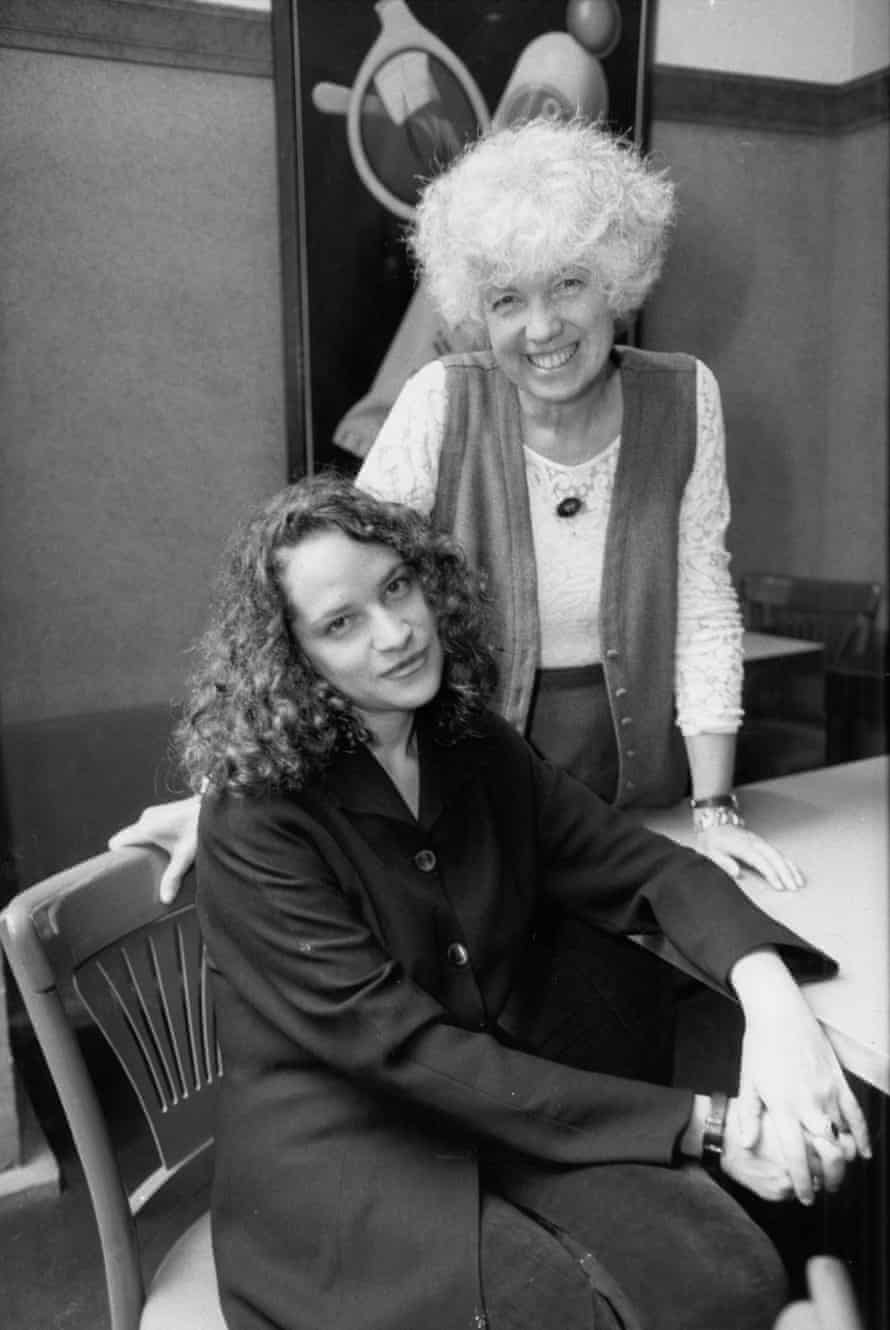 Katie Roiphe in 1993, with her mother, Anne.