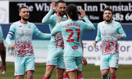 Championship: Hourihane's strike boosts Swansea's promotion hopes