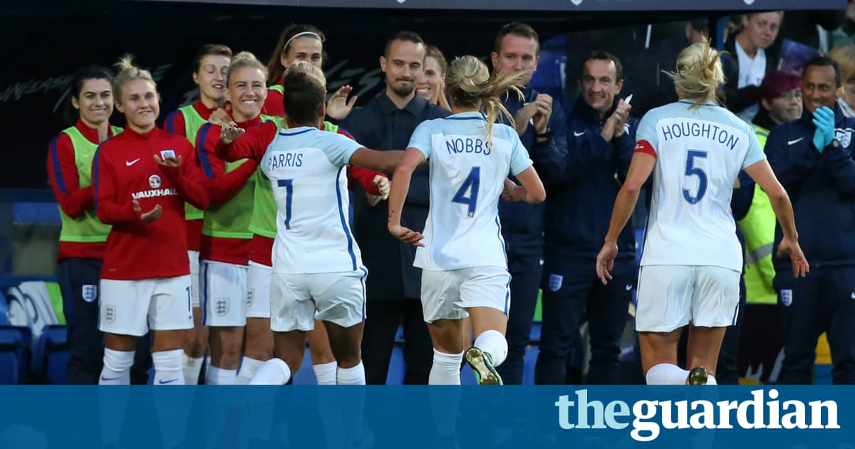 England rout of Russia shows on-field unity but sparks criticism from Eni Aluko