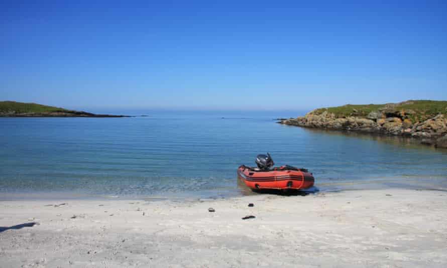 Beach on Ceann Ear island, the Monach Isles,  Scotland