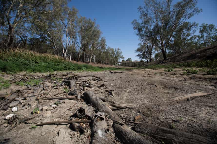 The empty Namoi river