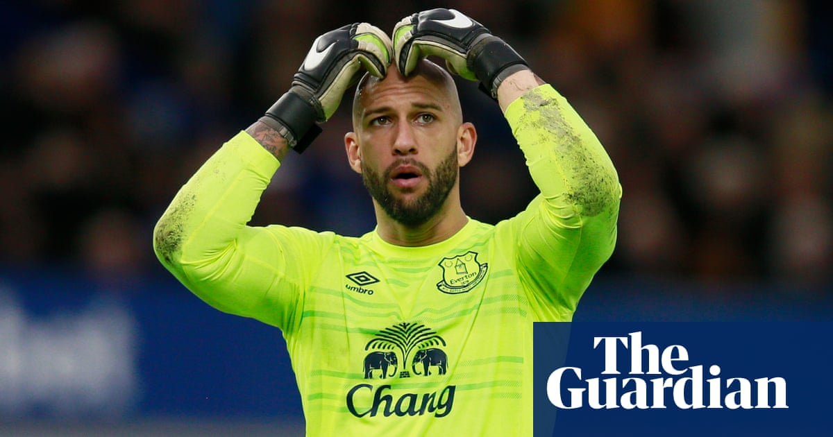 400474e15 Tim Howard stayed at Everton too long but he was brilliant in his prime