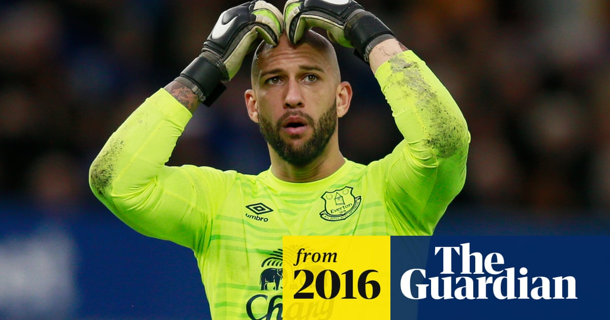 check out 9d671 0c6c1 Tim Howard may be nearing the end at Everton, hints Roberto ...