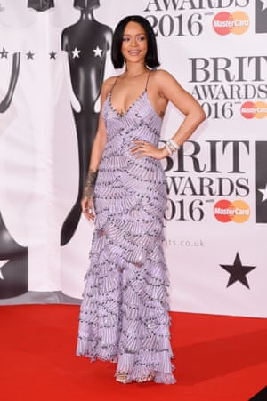 Hit! Rihanna.