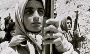 Women fighting for the MEK during the Iran-Iraq war