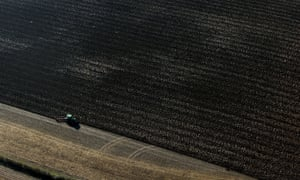 It is unclear that a Conservative government after a Brexit would divert levels of taxpayer funding to farmers similar to subsidies paid by Brussels now.