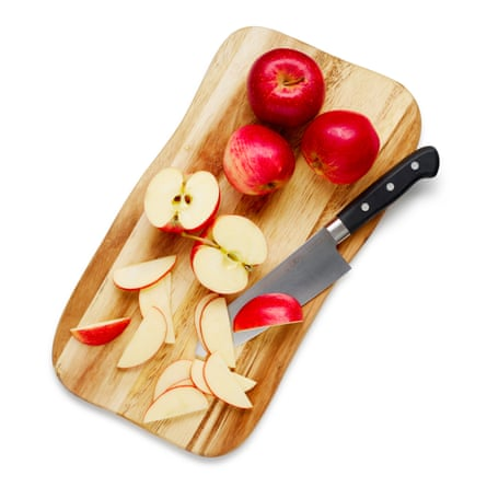 Core all the apples. Peel 400g and cut into chunks, but slice the rest into half-moons about 3-4mm thick.