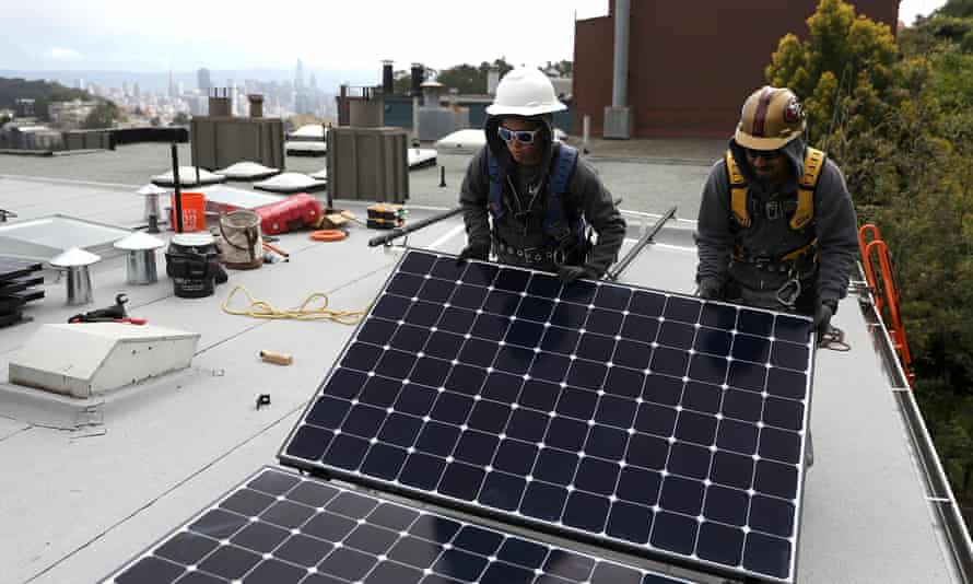 The California energy commission has approved a requirement that solar panels be installed on new homes and low-rise apartment buildings.
