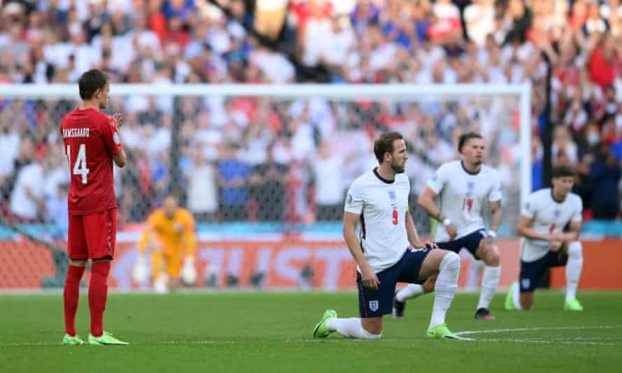 England players take the knee