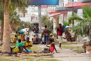 Cairo roundabout, Aden, where migrants rest before continuing their journey