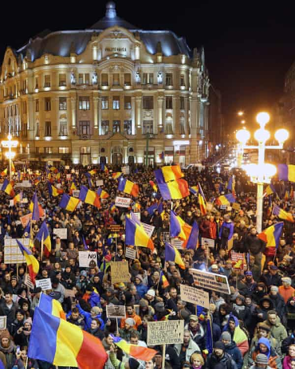 A protest rally in Timișoara, Romania against the proposed decriminalisation of minor corruption offences.
