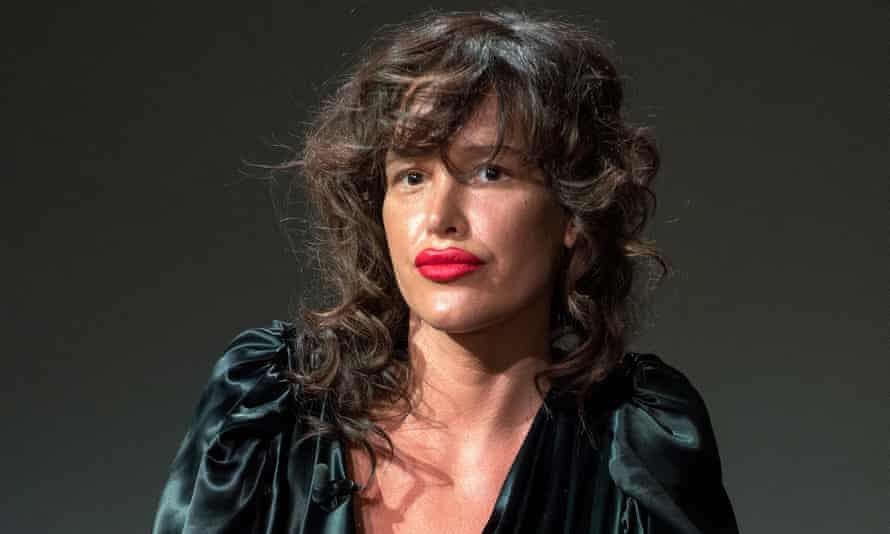Paz de la Huerta alleges that Weinstein exposed himself to her when she tried to confront him.