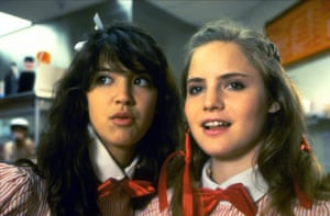 Jennifer Jason Leigh with Phoebe Cates in 1982's Fast Times at Ridgemont High