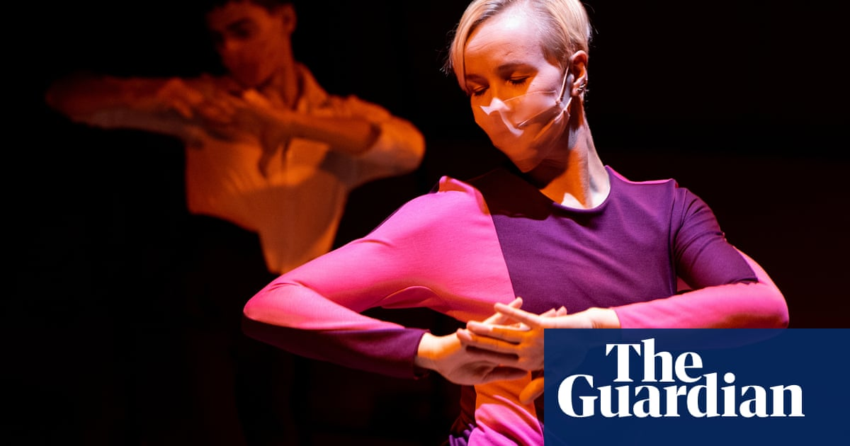 Masked moves and ballet in the bath: a year of digital dance