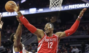 Dwight Howard is leaving the Houston Rockets to sign with the Atlanta Hawks, taking the place of Al Horford, who has signed with the Boston Celtics.
