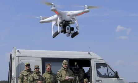 Ukrainian volunteers practice drone operations