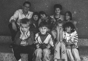 Younger students with Chris Leslie and Edina Hrnjic, whom he trained up to take over the project in 1999.