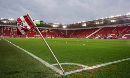 A former Southampton chairman banned Nick Illingsworth for protesting over ticket prices.