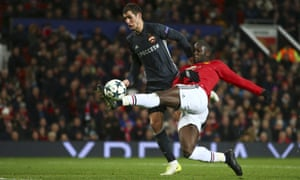 Romelu Lukaku stretches to score Manchester United's equaliser against CSKA Moscow at Old Trafford