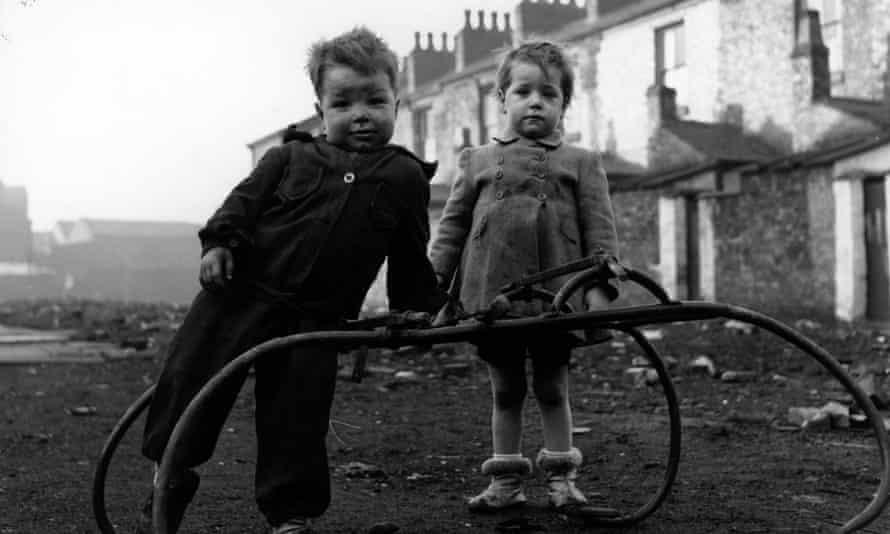 Children in Hulme, Manchester, 1954.