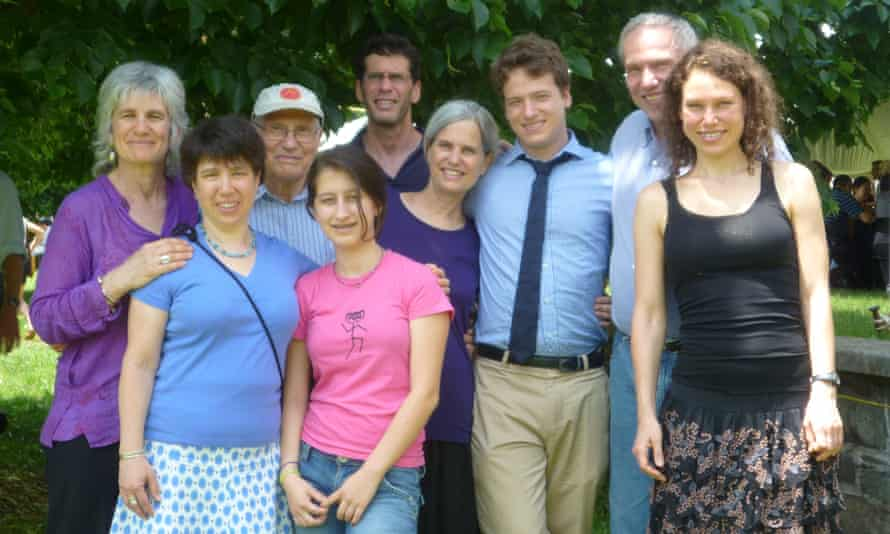 Ben Abeles and his wife, Helen, with his children and grandchildren in 2011.